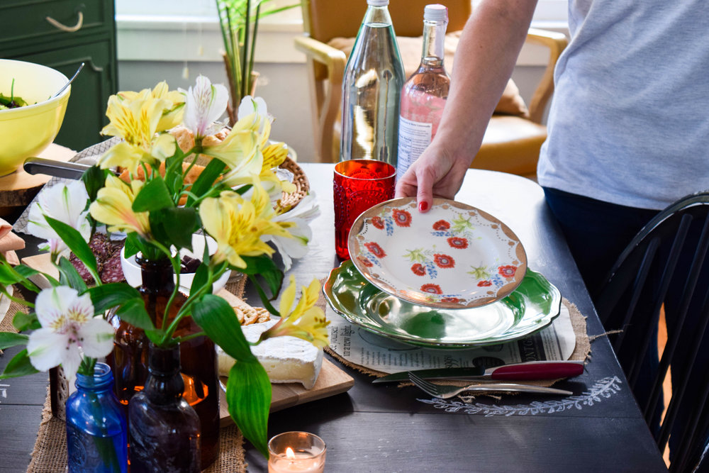 DESIGNING YOUR TABLE SETTING