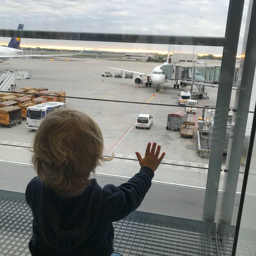 toddleratairport.JPG