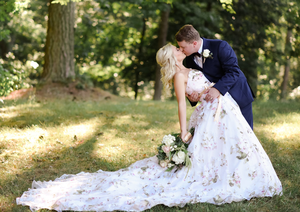 midsummers-eve-wedding-floral-blush-dress-david-tutera-cary-hill-plantation-photo-virginia-bride-150.jpg