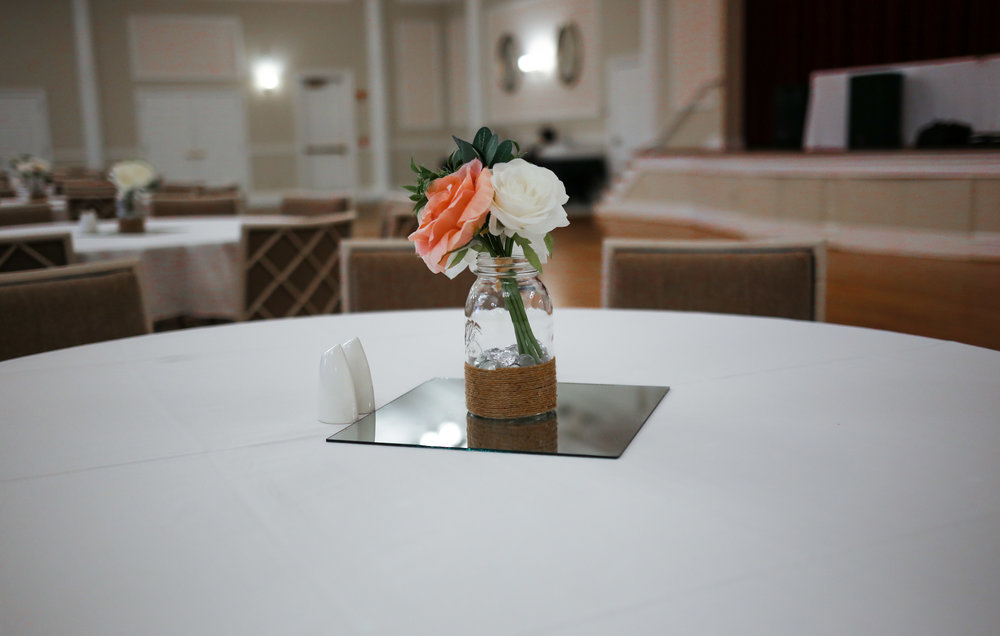 Hand-made centerpieces can go a long way to stretch your budget ||  Will Restrepo Photography