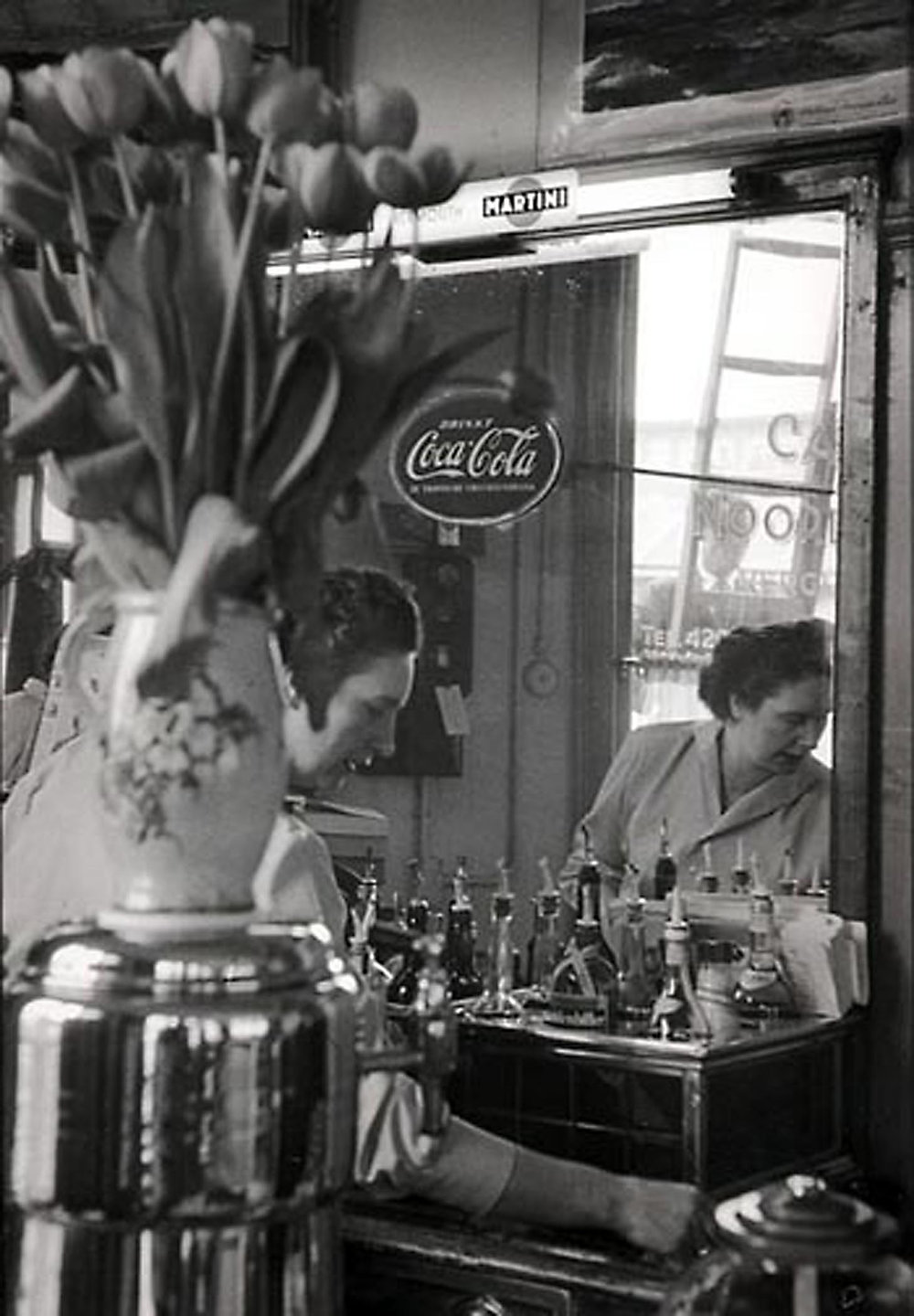 HANNON_tending_bar_(amsterdam)_1956_11x14_high.jpg