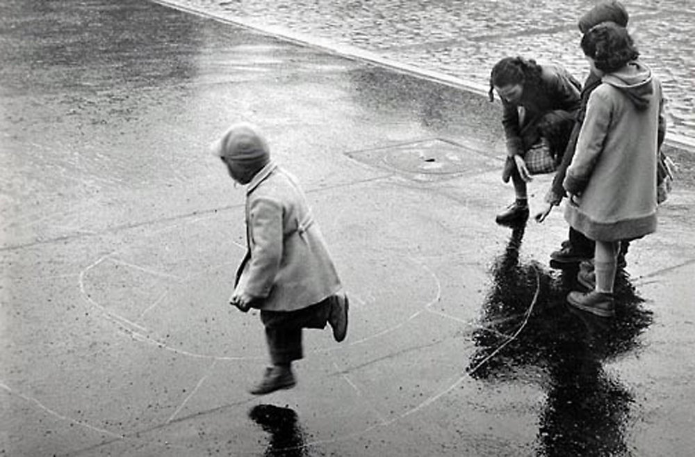 HANNON_hopscotch_(paris)_1956_p11x14_high.jpg