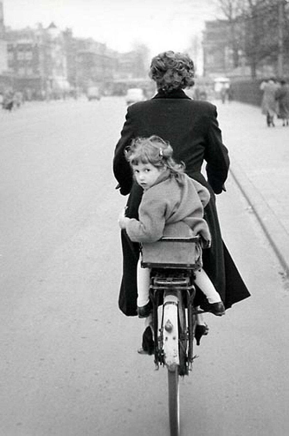 HANNON_girl_on_rear_of_bicycle_(copenhagen)_1956_p11x14_high.jpg