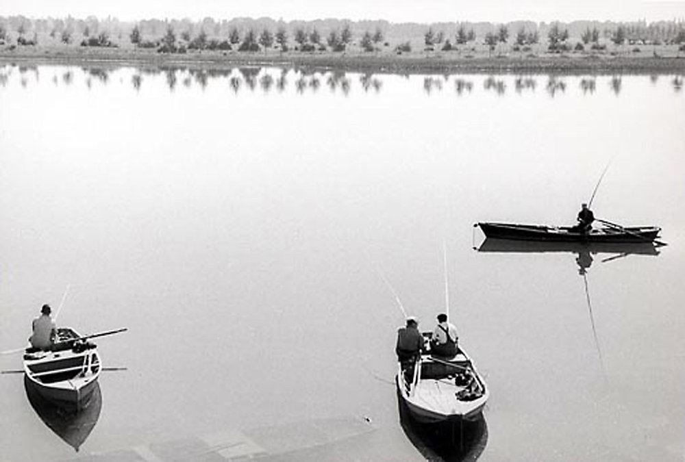 HANNON_fishing_near_lyon_(france)_1956_p11x14_high.jpg