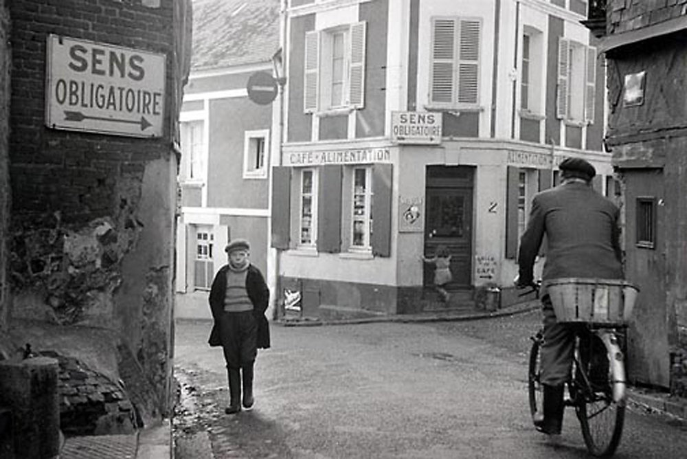 HANNON_honfleur_intersection_(france)_1958_p11x14_high.jpg