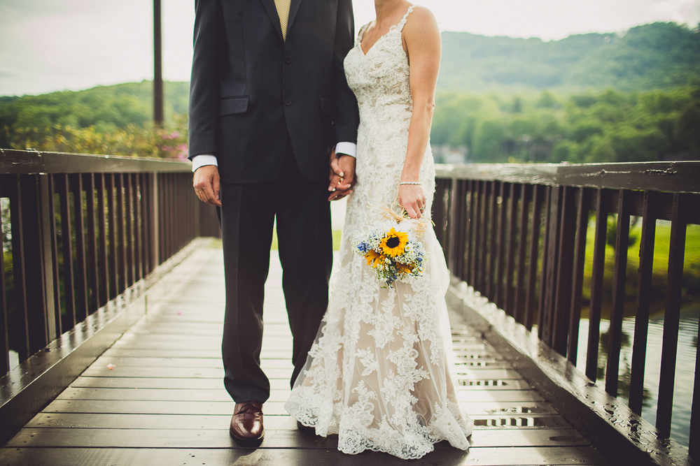 taylor-travis-grandfather-mountain-kelley-raye-north-carolina-wedding-photographer-91.jpg