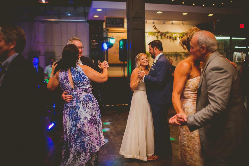 marisa-matt-kelley-raye-atlanta-wedding-photographer-164.jpg