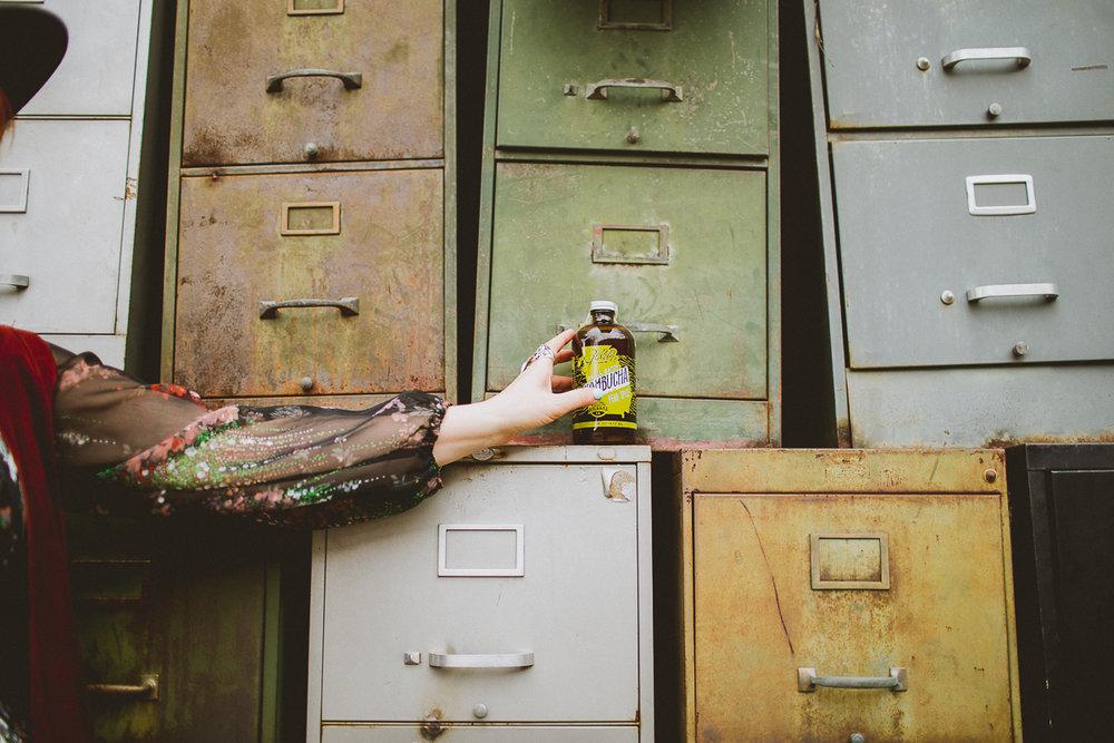 melanie-wade-golden-kombucha-kelley-raye-atlanta-lifestyle-photographer-27.jpg