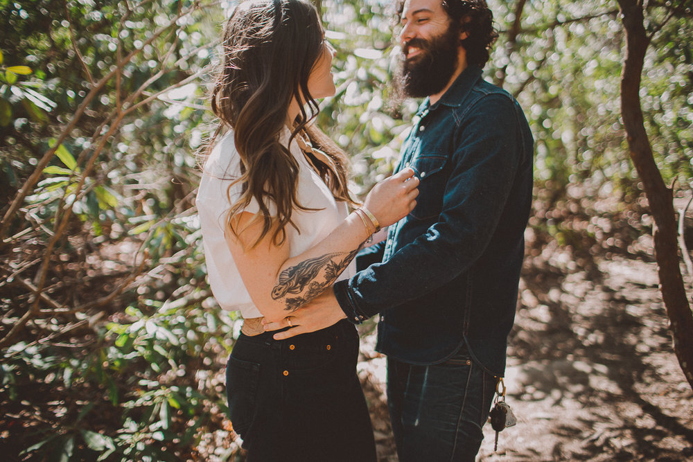hipster-mountain-engagement-kelley-raye-los-angeles-wedding-photographer-2.jpg