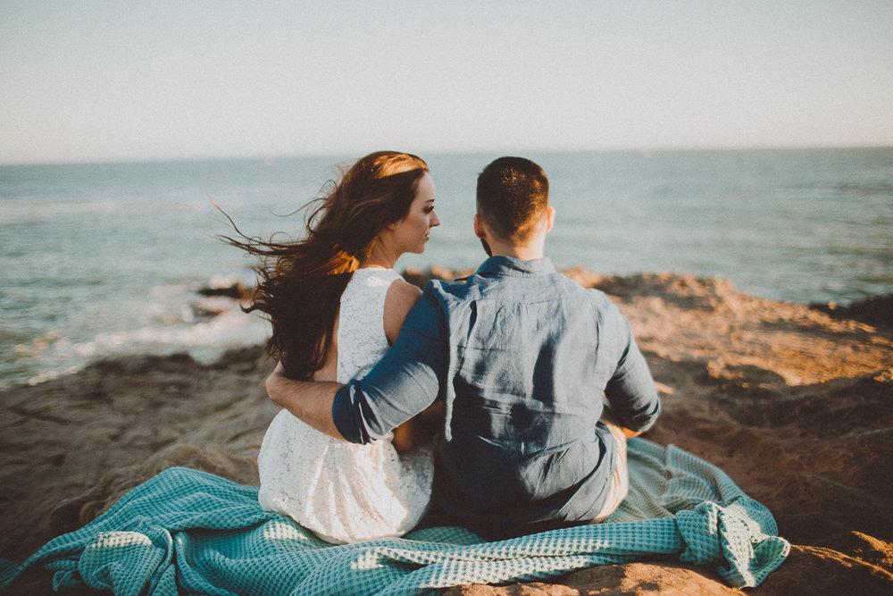 rachelle-dominic-malibu-beach-engagement-kelley-raye-los-angeles-wedding-photographer-16.jpg