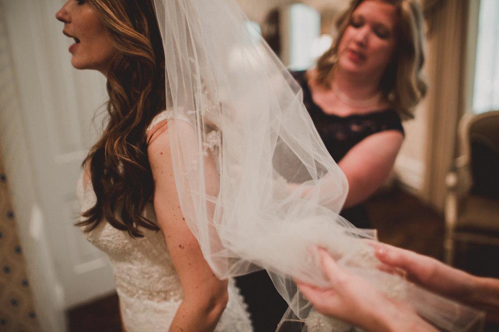 courtni-tom-flint-hill-kelley-raye-atlanta-wedding-photographer-1.jpg
