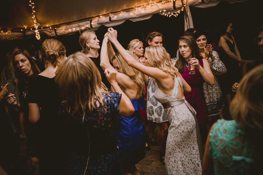 allie-andrew-wahoo-grill-kelley-raye-atlanta-wedding-photographer-81.jpg
