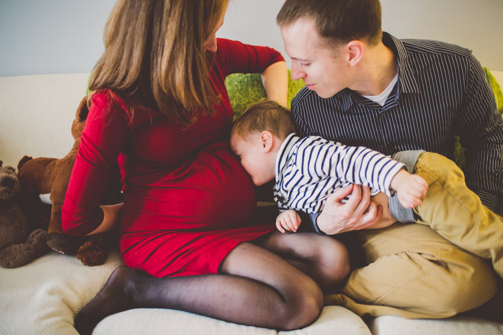 inhome-maternity-holiday-session-kelley-raye-atlanta-famlily-photographer-19.jpg