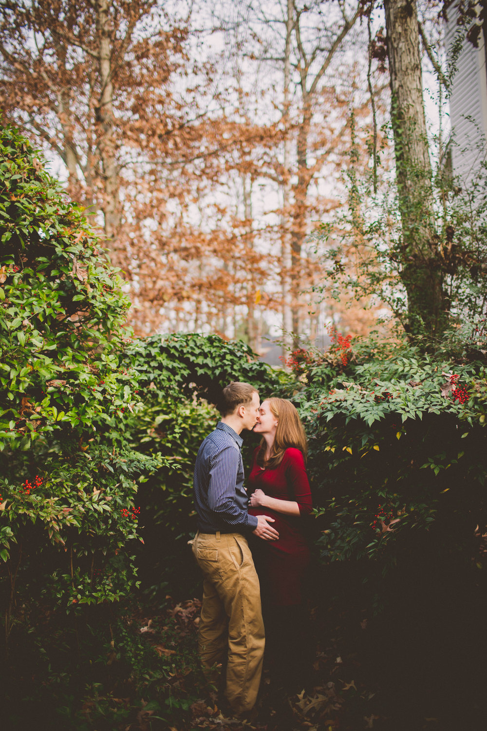 inhome-maternity-holiday-session-kelley-raye-atlanta-famlily-photographer-49.jpg