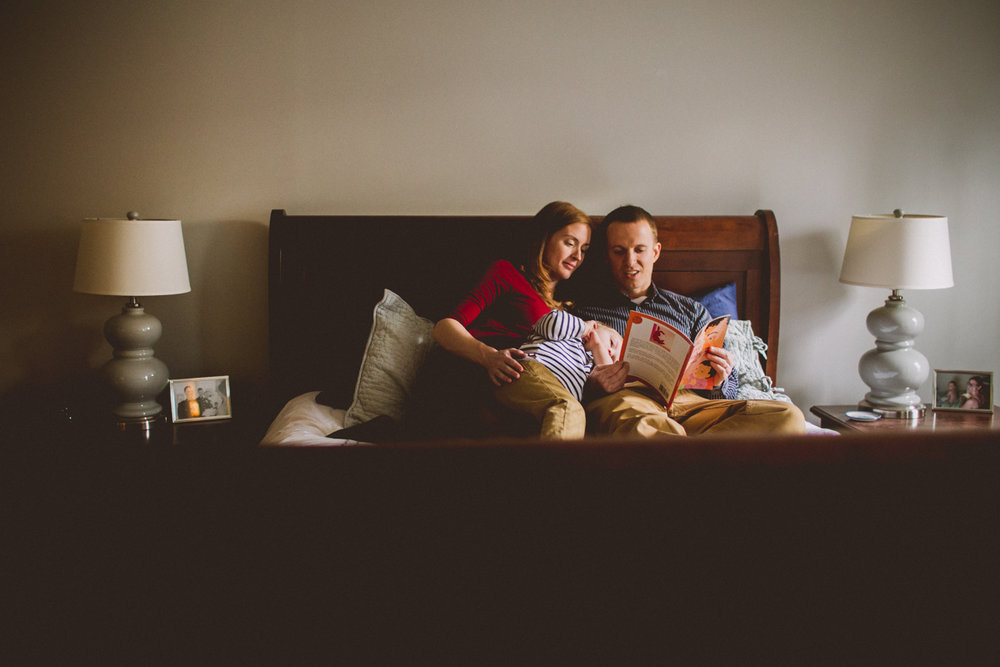 inhome-maternity-holiday-session-kelley-raye-atlanta-famlily-photographer-58.jpg