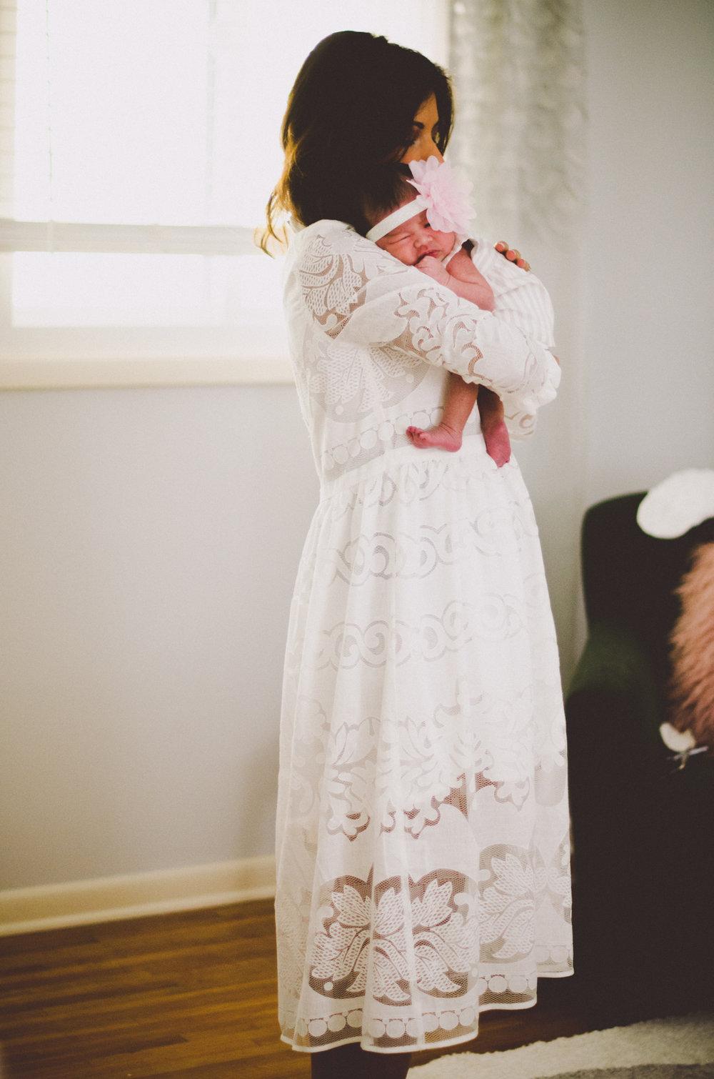 esmeralda-inhome-newborn-session-kelley-raye-atlanta-famlily-photographer-9.jpg