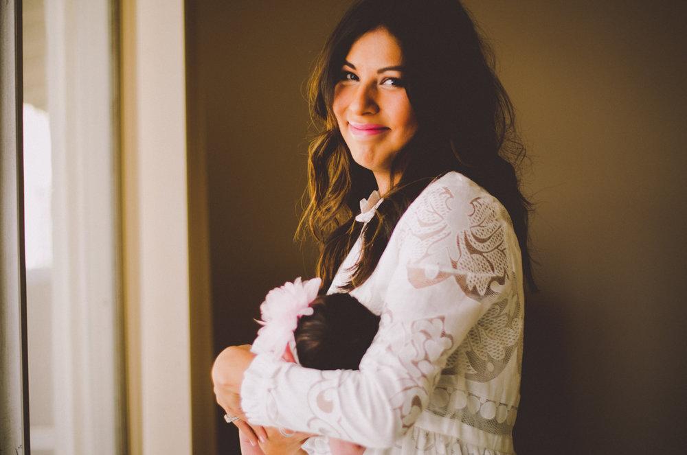 esmeralda-inhome-newborn-session-kelley-raye-atlanta-famlily-photographer-18.jpg