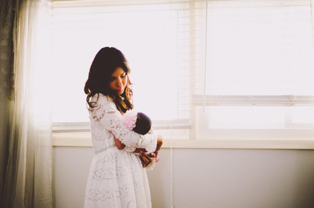 esmeralda-inhome-newborn-session-kelley-raye-atlanta-famlily-photographer-28.jpg