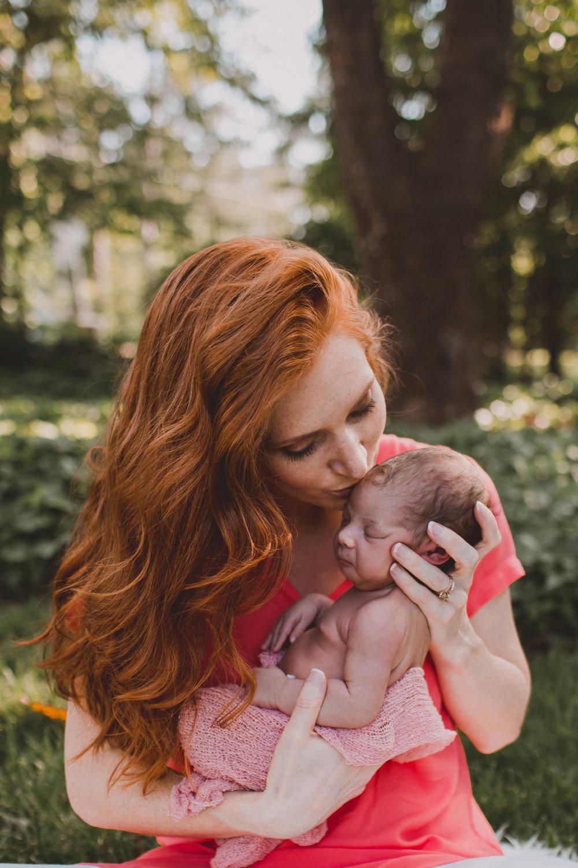 baby mia's newborn session -