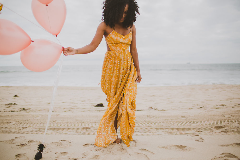 manhattan-beach-yellow-maxi-birthday-shoot-kelley-raye-los-angeles-atlanta-branding-photographer-3.jpg