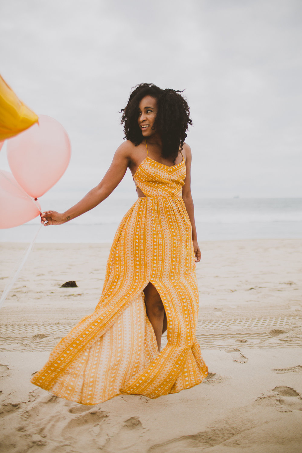 manhattan-beach-yellow-maxi-birthday-shoot-kelley-raye-los-angeles-atlanta-branding-photographer-4.jpg