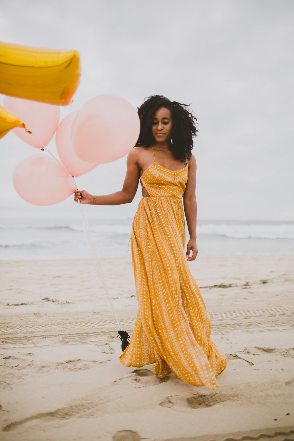 manhattan-beach-yellow-maxi-birthday-shoot-kelley-raye-los-angeles-atlanta-branding-photographer-6.jpg