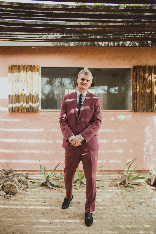 taryn-adam-joshua-tree-elopement-kelley-raye-los-angeles-wedding-photographer-52.jpg