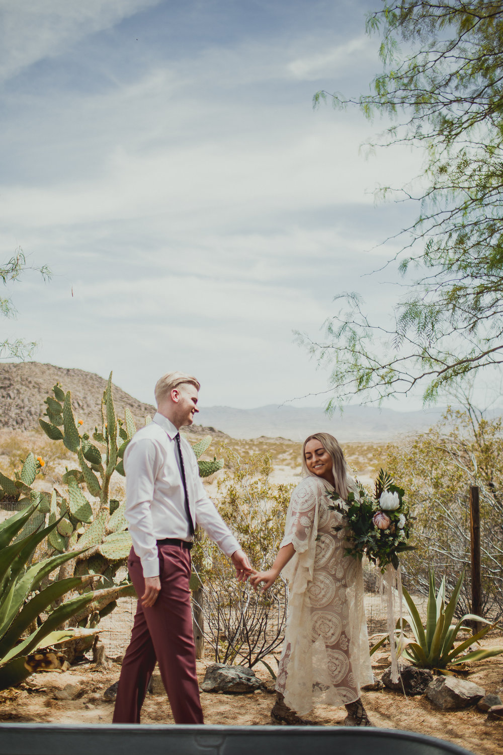 taryn-adam-joshua-tree-elopement-kelley-raye-los-angeles-wedding-photographer-66.jpg