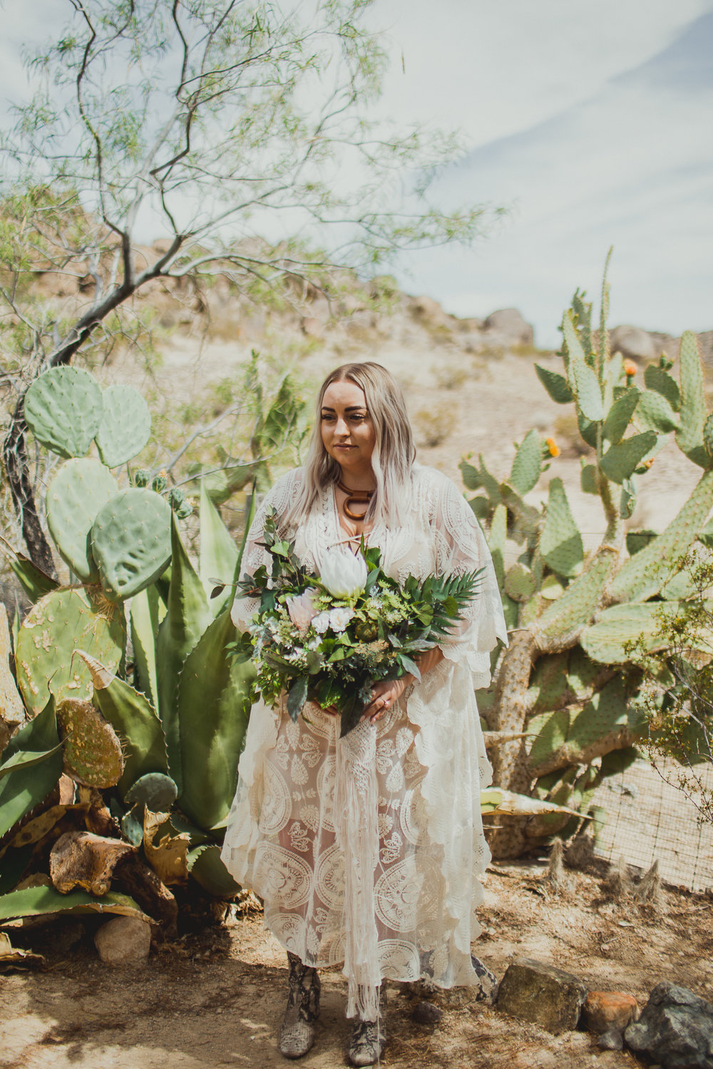 taryn-adam-joshua-tree-elopement-kelley-raye-los-angeles-wedding-photographer-67.jpg