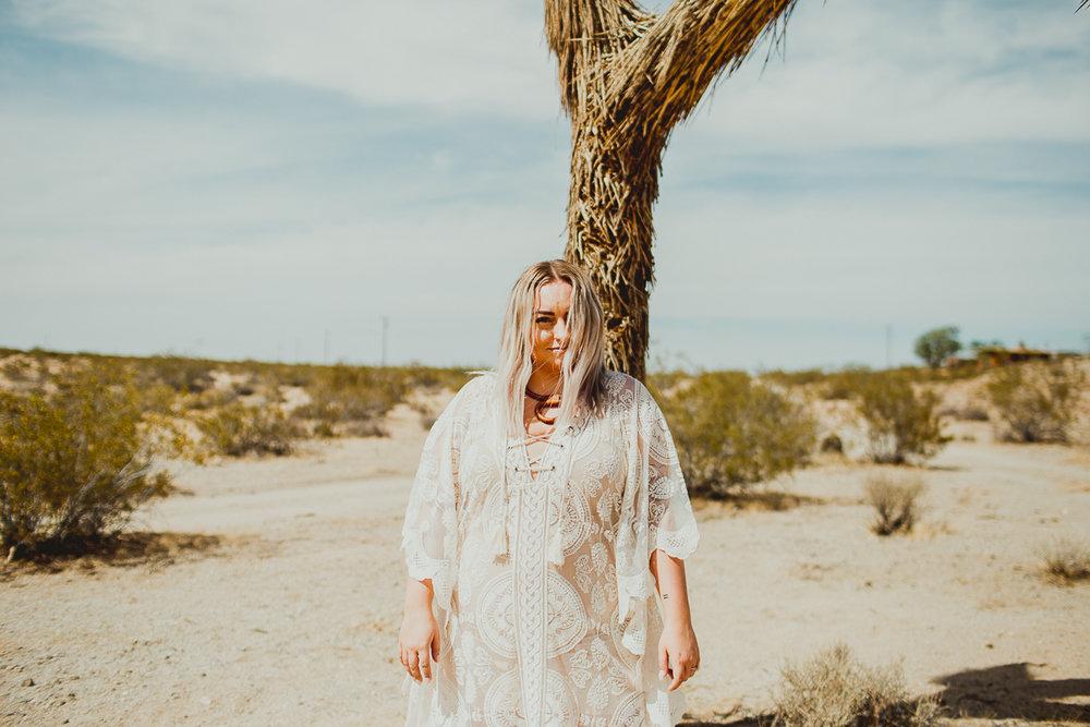 taryn-adam-joshua-tree-elopement-kelley-raye-los-angeles-wedding-photographer-101.jpg