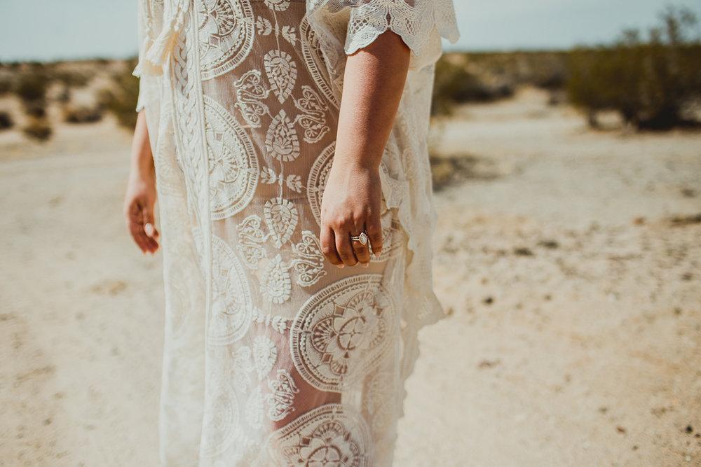 taryn-adam-joshua-tree-elopement-kelley-raye-los-angeles-wedding-photographer-103.jpg