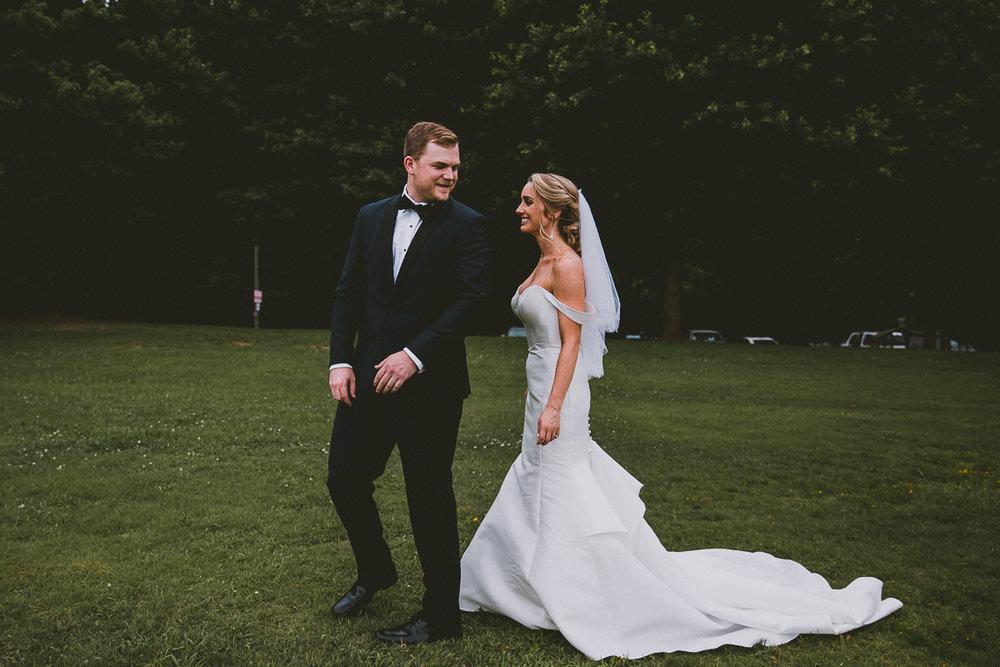 molly-robert-park-tavern-kelley-raye-atlanta-wedding-photographer-28.jpg