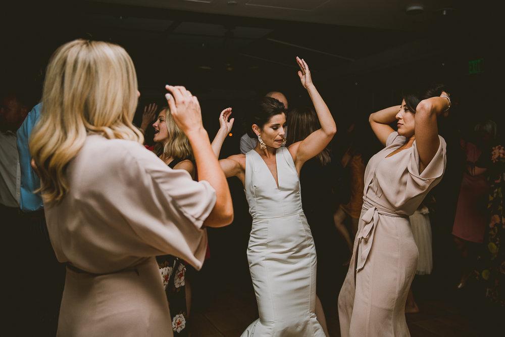 catalina-island-kelley-raye-los-angeles-wedding-photographer-76.jpg