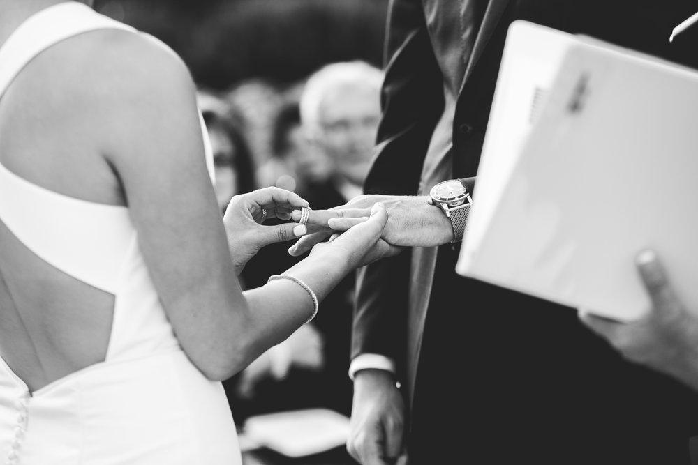 allison-david-catalina-island-kelley-raye-los-angeles-wedding-photographer-9-2.jpg