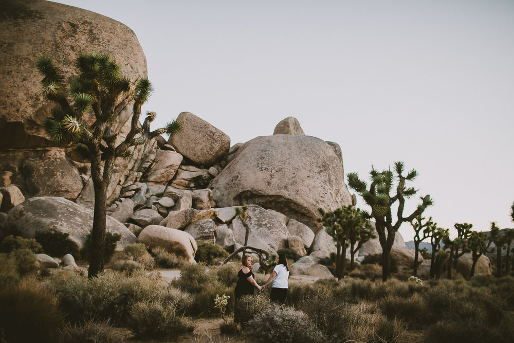 lindsay-andria-joshua-tree-engagement-kelley-raye-los-angeles-wedding-photographer-13.jpg