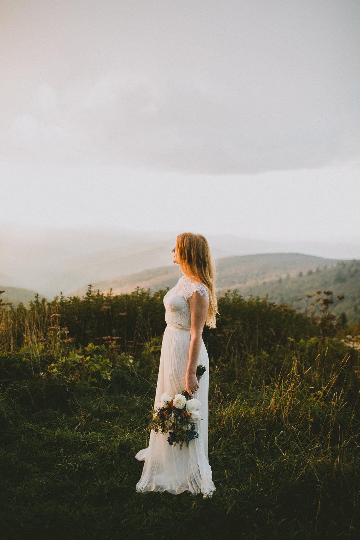 asheville-black-balsam-knob-intimate-wedding-kelley-raye-atlanta-wedding-photographer-46.jpg