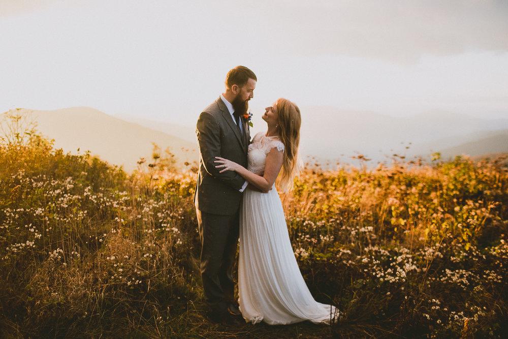 asheville-black-balsam-knob-intimate-wedding-kelley-raye-atlanta-wedding-photographer-53.jpg