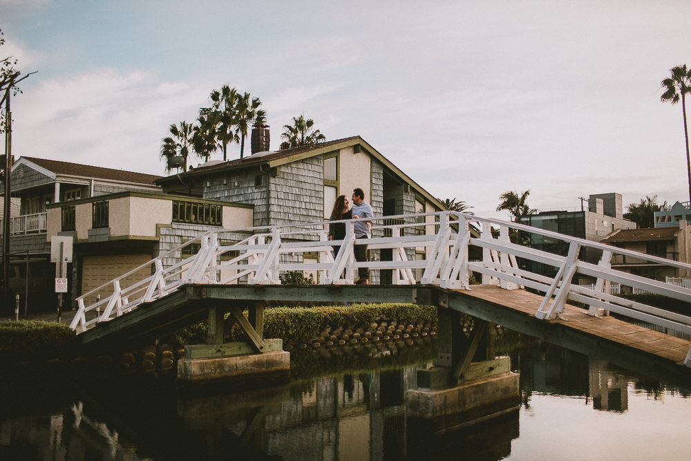 historic-venice-canals-beach-engagament-kelley-raye-los-angeles-wedding-photographer-1-2.jpg