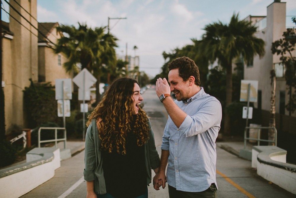 historic-venice-canals-beach-engagament-kelley-raye-los-angeles-wedding-photographer-10-2.jpg