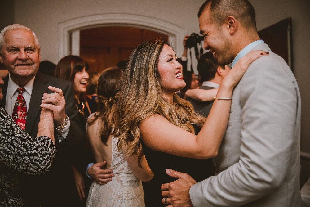 manhattan-city-hall-brooklyn-bridge-kelley-raye-los-angeles-wedding-photographer-151.jpg
