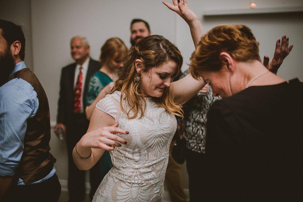 manhattan-city-hall-brooklyn-bridge-kelley-raye-los-angeles-wedding-photographer-159.jpg