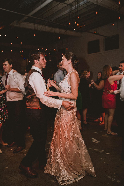 upstairs-atlanta-kelley-raye-atlanta-wedding-photographer-174.jpg