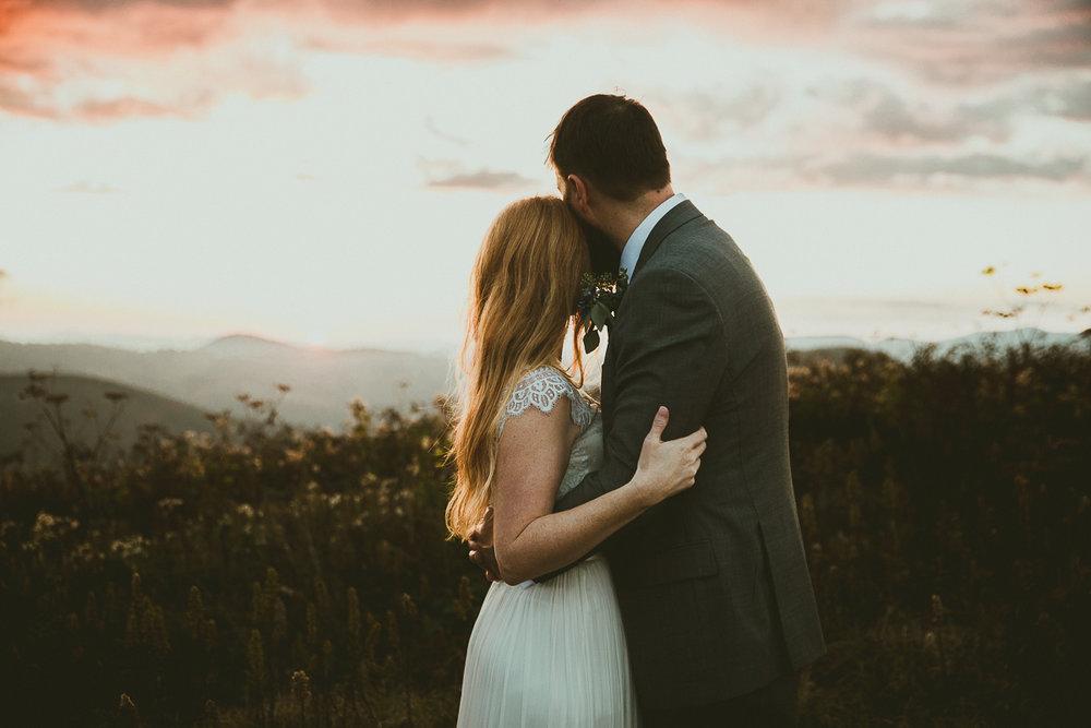asheville-black-balsam-knob-intimate-wedding-kelley-raye-atlanta-wedding-photographer-85.jpg
