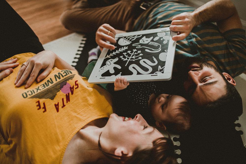 inhome-family-session-kelley-raye-los-angeles-lifestyle-photographer-57.jpg
