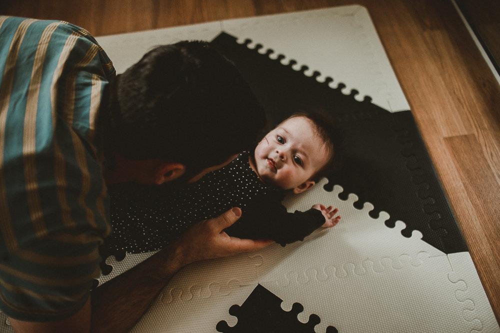 inhome-family-session-kelley-raye-los-angeles-lifestyle-photographer-61.jpg
