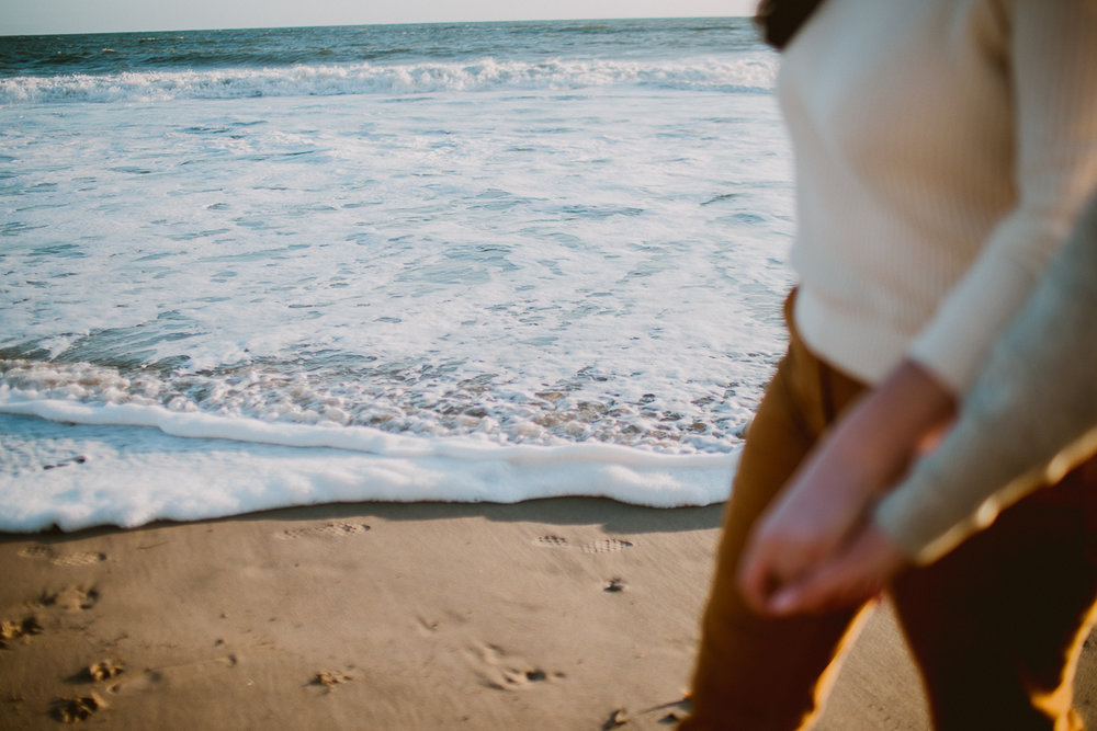 malibu-carbon-beach-engagement-session-kelley-raye-los-angeles-lifestyle-photographer-28.jpg