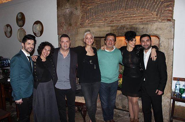 ::Quem vai ao Fado:: Mariza & Rui Veloso, obrigado pela partilha numa noite para recordar. #casadelinhares #alfama #melhorfadodacidade #mariza #ruiveloso #bacalhaudemolho #lisboa Visite-nos também!