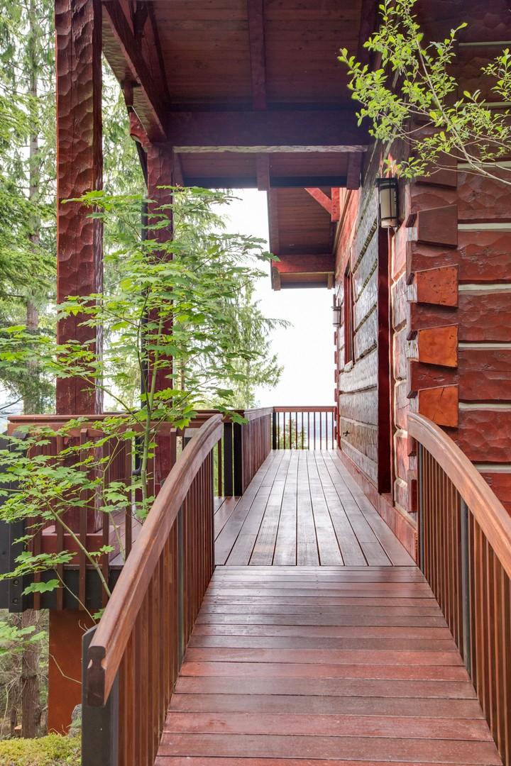Exterior (porch).jpg