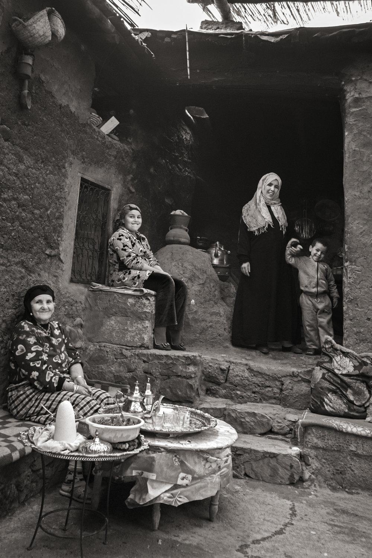 8••bw Berber Family_MG_0209.jpg