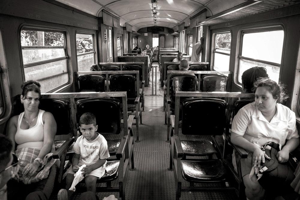 22 2••BW train inside_DSF0899.jpg